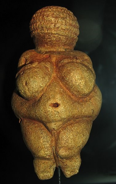 http://www.poc39.com/wordpress/wp-content/uploads/2013/08/2013-08-09_377px-Willendorf-Venus-1468.jpg