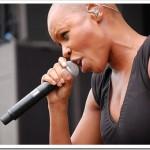 「写真で一言」坊主頭の黒人女性は、Skunk Anansie のヴォーカル・Skin(第10回 IPPONグランプリ関連)