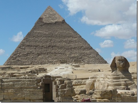 2014-05-25_pyramids-232679_640