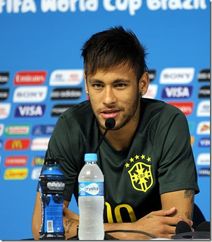 Training_Brazilian_national_team_before_the_match_against_Croatia_at_the_FIFA_World_Cup_2014-06-11