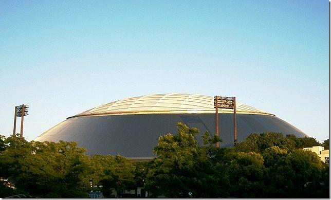 20150618_640px-Seibu_Dome_baseball_stadium_-_01