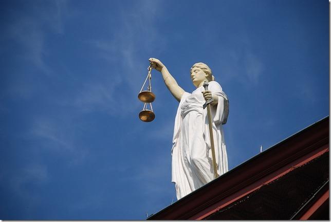 20150811_case-law-677940_640